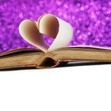 Coeur des pages de livre Image stock