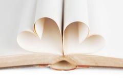 Coeur des pages de livre Image libre de droits