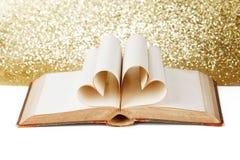 Coeur des pages de livre Photo stock