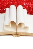 Coeur des pages de livre Photographie stock libre de droits