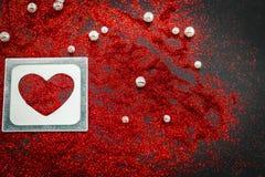 coeur des paillettes le jour noir de valentines de fond Image libre de droits
