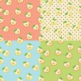 Coeur des pommes dans le modèle sans couture avec le point de polka Photos stock