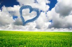 Coeur dessiné en nuages Image libre de droits