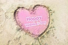 Coeur dessiné sur le concept de valentines de sable Images libres de droits