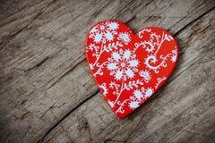 Coeur en bois avec un modèle Photographie stock
