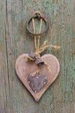 Coeur en bois découpé Photo stock