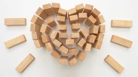 Coeur en bois de bloc sur le fond blanc Photos libres de droits
