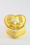 Coeur en céramique sur le blanc image stock
