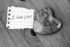 Coeur en pierre Photos libres de droits