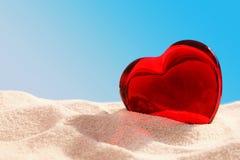 Coeur en verre rouge Photos stock