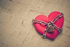 Coeur enchaîné Images stock