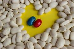 Coeur et amour des haricots Image stock