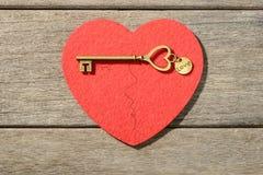 Coeur et clé rouges Image libre de droits