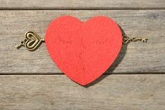 Coeur et clé rouges Image stock