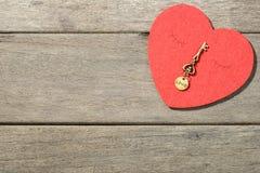 Coeur et clé rouges Images libres de droits