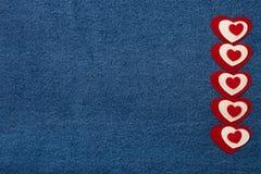 Coeur et espace de textile pour le texte Thème romantique d'amour sur les jeans b Photos stock