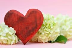 Coeur et fleurs Photos libres de droits