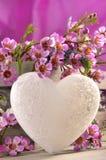 Coeur et fleurs d'amour Photographie stock