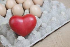 Coeur et oeufs Image stock
