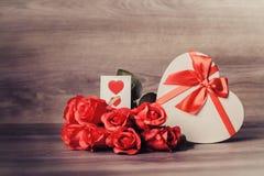 Coeur et roses image stock