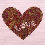 Coeur fabriqué à la main de tissu avec l'amour de mot Photos libres de droits
