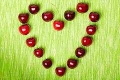 Coeur fait de cerises Image libre de droits