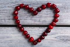 Coeur fait de cerises Images libres de droits
