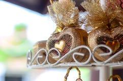 Coeur formé par faveurs de mariage avec le filtre de gradient Image libre de droits