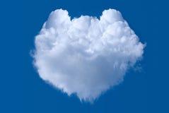Coeur formé par nuage photo stock