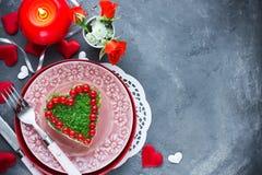 Coeur formé par salade romantique le jour de valentines Photos libres de droits