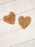 Coeur-forme des confettis de sucrerie Image libre de droits