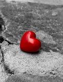 Coeur isolé sur une route Image libre de droits