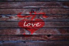 Coeur le Saint Valentin en bois de backgroun d'amour de barrière Images stock