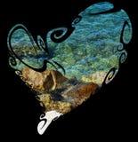 Coeur, mer et roches d'isolement sur le fond noir Images libres de droits