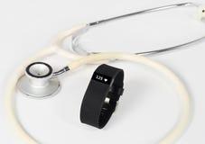 Coeur Rate Fitness Activity Wristband avec le stéthoscope Image libre de droits