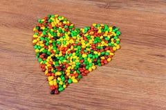 Coeur rayé par sucrerie coloré Déclaration de l'amour le jour du valetina de St Photo stock