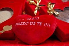 Coeur rouge avec des mots de l'amour dans de langue italienne Images libres de droits