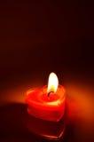 Coeur rouge brûlant de bougie Images libres de droits