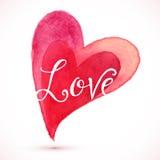 Coeur rouge d'aquarelle avec le signe d'amour Photographie stock libre de droits