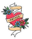 Coeur rouge d'isolement de tatouage avec le ruban, les fleurs et la mère de lettrage Enrouler de ruban autour de coeur rouge Viei Photographie stock libre de droits