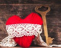 Coeur rouge de fil Images stock