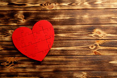Coeur rouge de puzzle Photographie stock