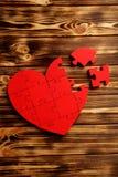 Coeur rouge de puzzle Image libre de droits