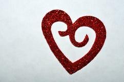 Coeur rouge de scintillement pour la Saint-Valentin Images stock
