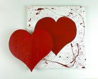Coeur rouge en bois fait maison du ` s de Valentine sur le fond blanc Photos libres de droits