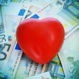 Coeur rouge et euro billets de banque Photos libres de droits