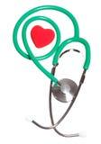 Coeur rouge et stéthoscope vert d'isolement Photo libre de droits