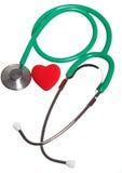Coeur rouge et stéthoscope vert d'isolement Images stock