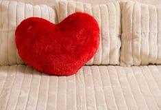 Coeur rouge mou pelucheux Images libres de droits