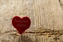 Coeur rouge pour toujours le v?tre m?lancolie de peine de tristesse photographie stock